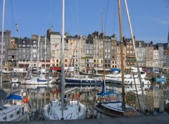 Constructions and architecture honfleur