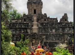Voyages : Asie Moines au temple de bakong