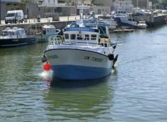 Boats bateau de peche a port en bessin