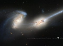Space Galaxies en collision, déposent une trainée d'étoiles (NGC 4676)