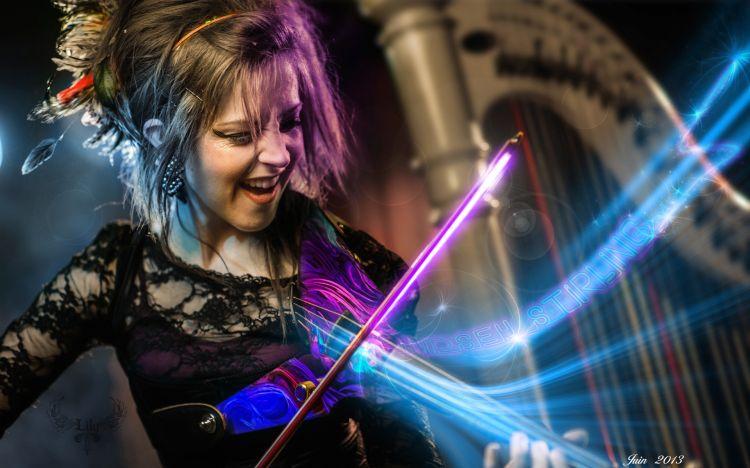 Fonds d'écran Musique Lindsey Stirling Le pouvoir de l'archet laser