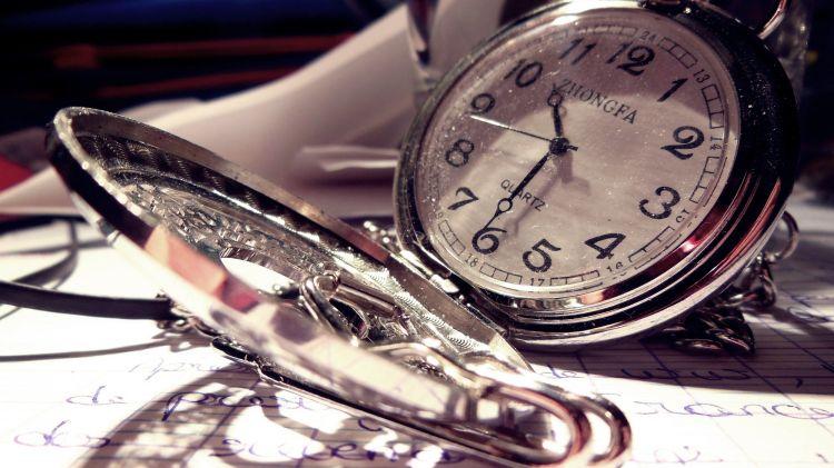 Fonds d'écran Objets Horlogerie - Montres Tic tac