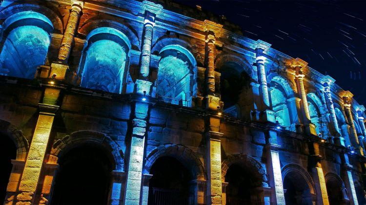Fonds d'écran Constructions et architecture Statues - Monuments Arènes de Nîmes