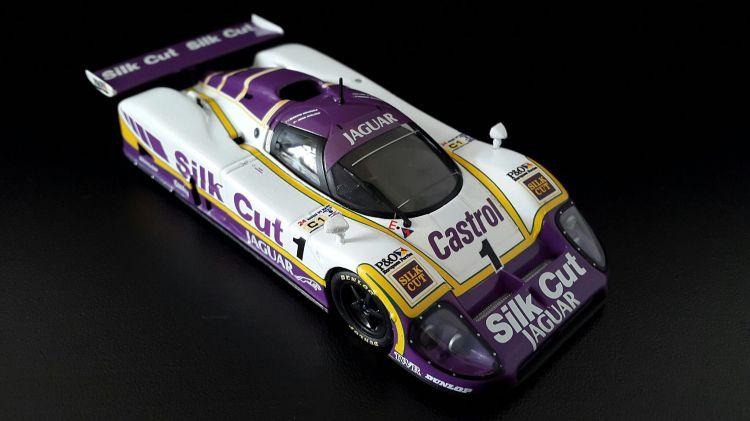 Fonds d'écran Voitures Voitures miniatures Jaguar XJR 9LM 24 Heures du Mans 1988