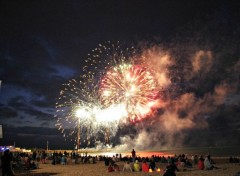 People - Events Feu d'artifice en bord de mer