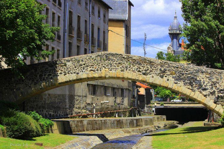 Wallpapers Constructions and architecture Bridges - Aqueduct LE PUY EN VELAY-AUVERGNE