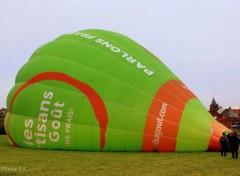 Planes Petit tour en ballon au dessus des Flandres.