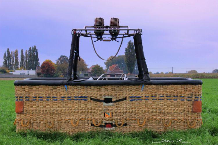 Wallpapers Planes Balloons - Airships Petit tour en ballon au dessus des Flandres.