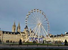 Constructions et architecture Hôtel de Ville et grande roue