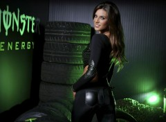 Grandes marques et publicité Monster-Energy-Girls