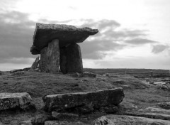 Constructions and architecture Poulnabrone Dolmen
