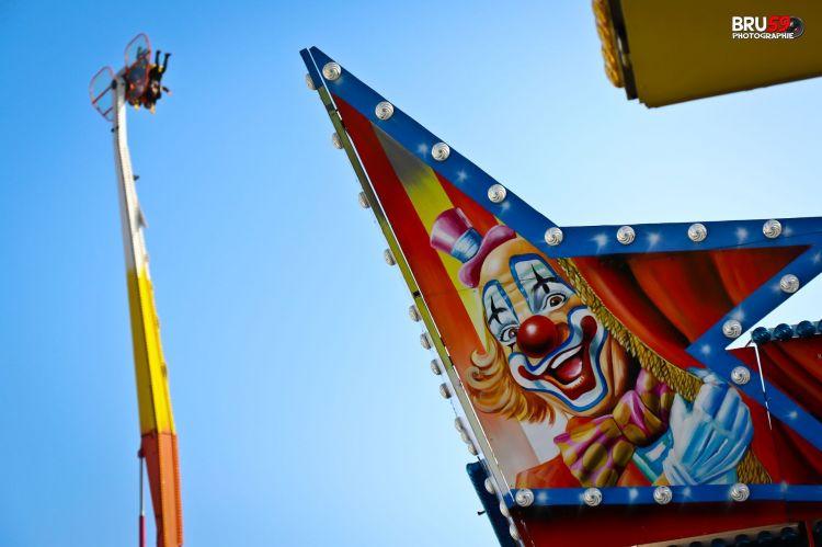 Wallpapers Constructions and architecture Amusement Parks > Funfairs Fête foraine Clown