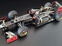 Voitures LOTUS RENAULT E20 Kimi Raikkonen winner GP Abu Dhabi 2012