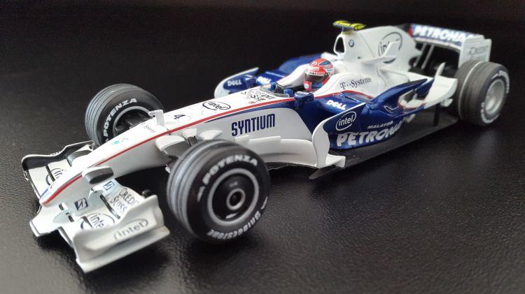 Fonds d'écran Voitures Voitures miniatures Sauber BMW F1.08 ( Robert KUBICA winner GP Canada 2008 )