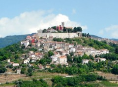 Voyages : Europe Le village perché de Motovun