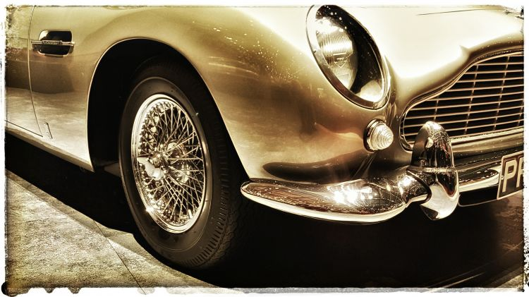 Fonds d'écran Voitures Aston Martin Wallpaper N°446658