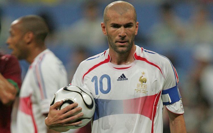 Fonds d'écran Célébrités Homme Zinedine Zidane Wallpaper N°455483
