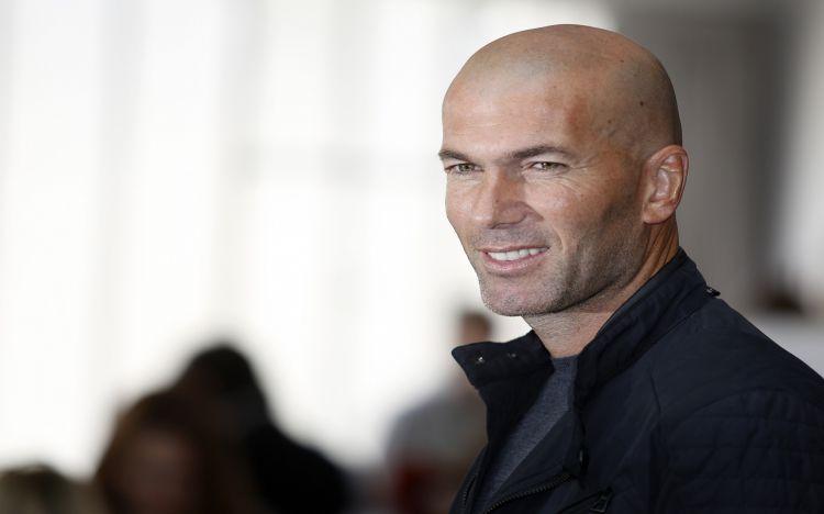 Fonds d'écran Célébrités Homme Zinedine Zidane Wallpaper N°455485
