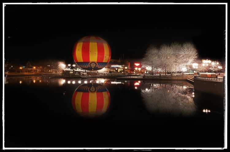 Fonds d'écran Constructions et architecture Parcs d'attractions > DisneyLand Wallpaper N°458625