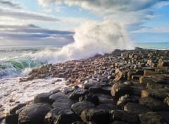 Voyages : Europe Une vague sur la chaussée des géants