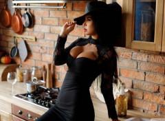 Hommes - Evênements Zbeautiful girl in a black dress