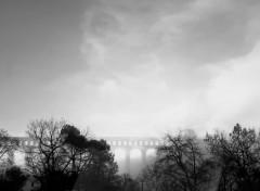 Constructions et architecture Aqueduc de Roquefavour (13) dans la brume